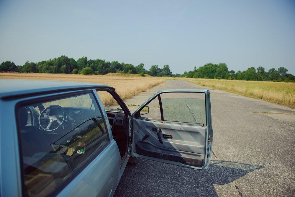 Barrez bien votre voiture pour éviter les voleurs.