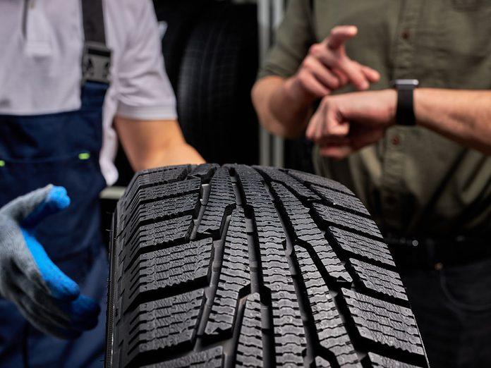Quand faut-il acheter de nouveaux pneus de voiture?