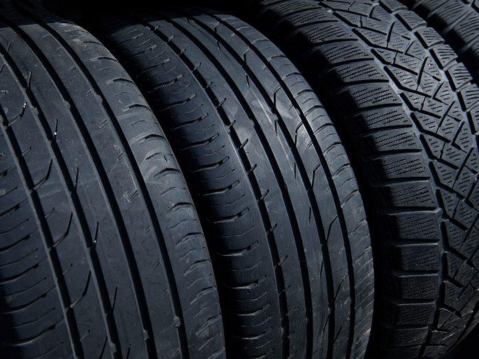 Démystifier les types de pneus avant de les acheter.