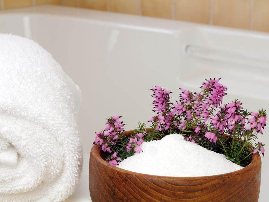 Méthode détox : utilisez des sels de bain.