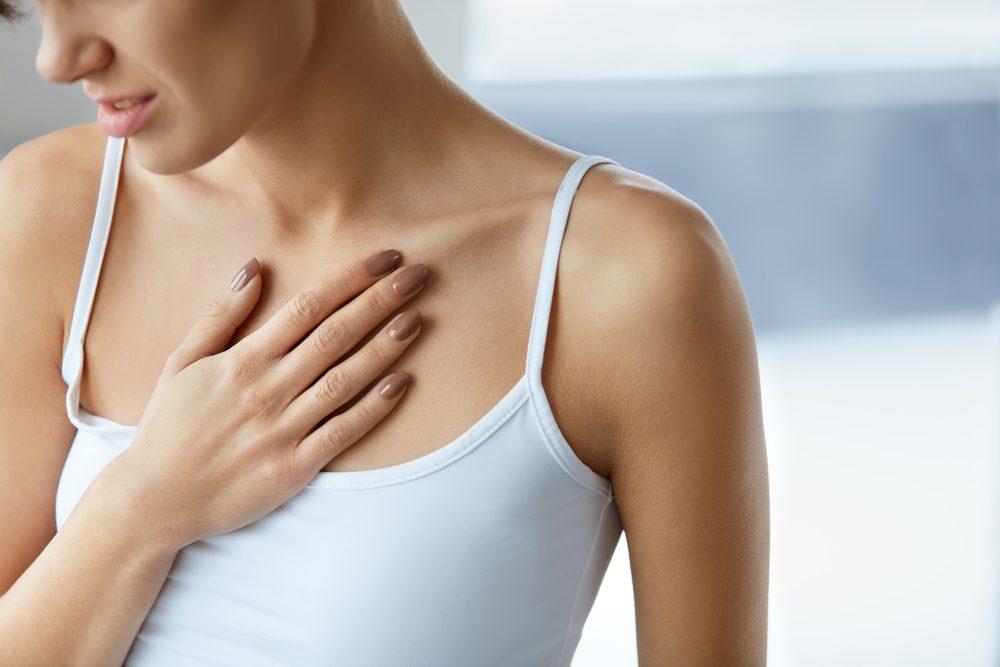 Un traumatisme à la poitrine cause de la douleur aux seins