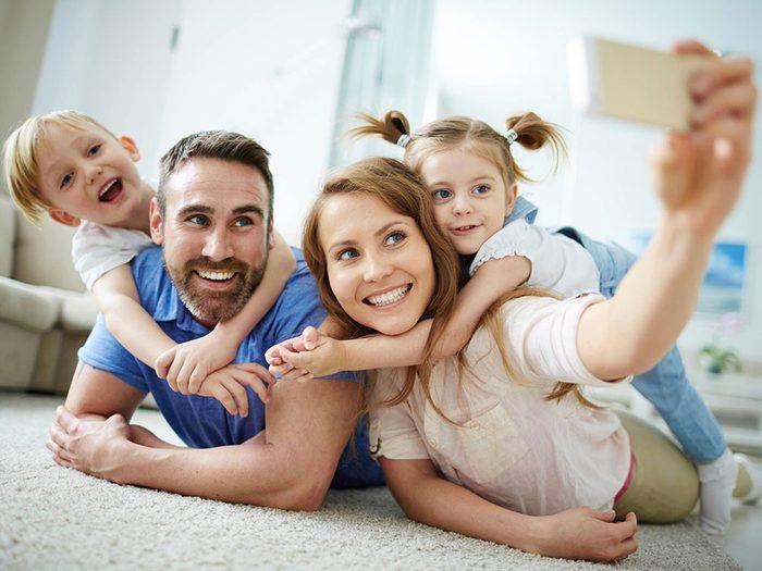 Vous ne filtrez pas les photos de vos enfants avant de les poster sur Facebook.