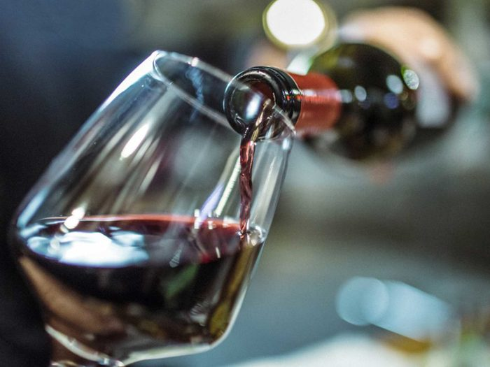 Les gens en santé ne boivent pas d'alcool le soir.