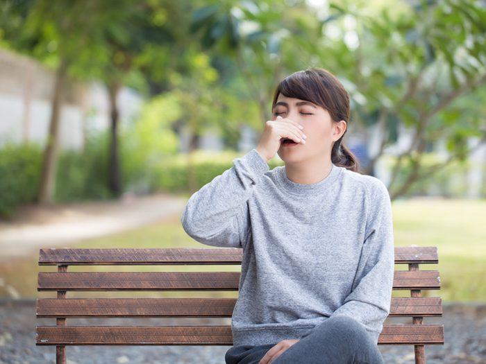 Pour rester en santé, évitez de vous toucher le visage.