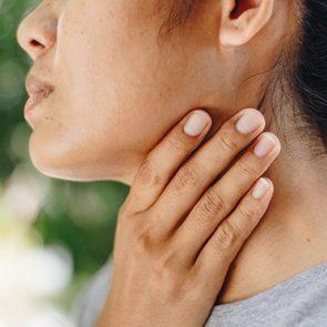 Une voix rauque ou mal de gorge peut être signe d'un reflux gastro-œsophagien.