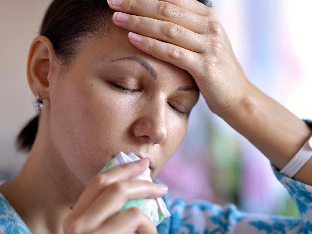 Une toux persistante ou une respiration sifflante peuvent signaler un reflux gastro-œsophagien.