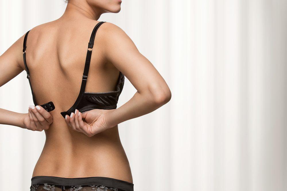 Un soutient-gorge peut cause de la douleur aux seins