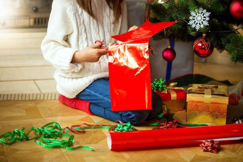 Depuis que vous êtes adulte, vous enveloppez vos cadeaux à minuit