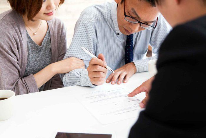 Signer une hypothèque, signe que vous êtes adulte