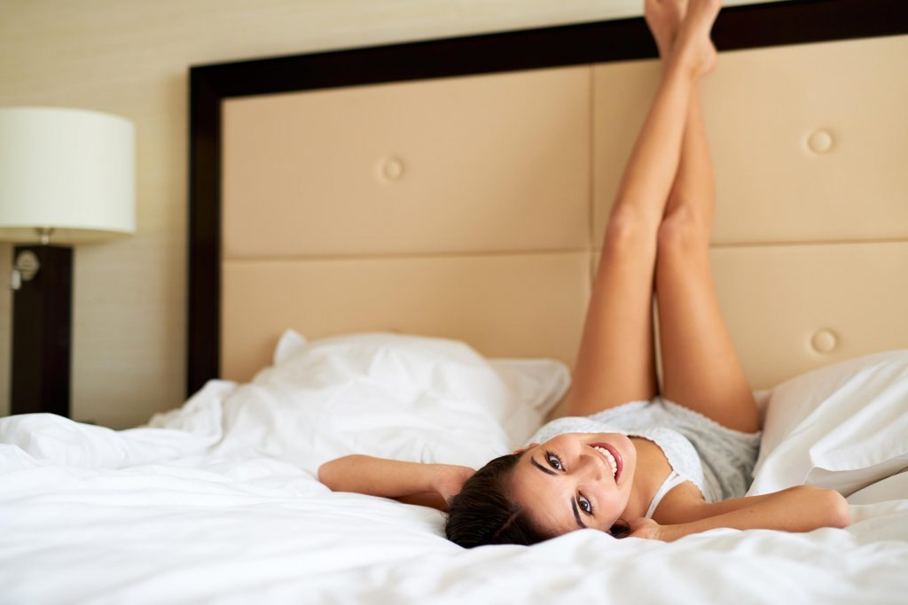 Posture de yoga: jambes au mur