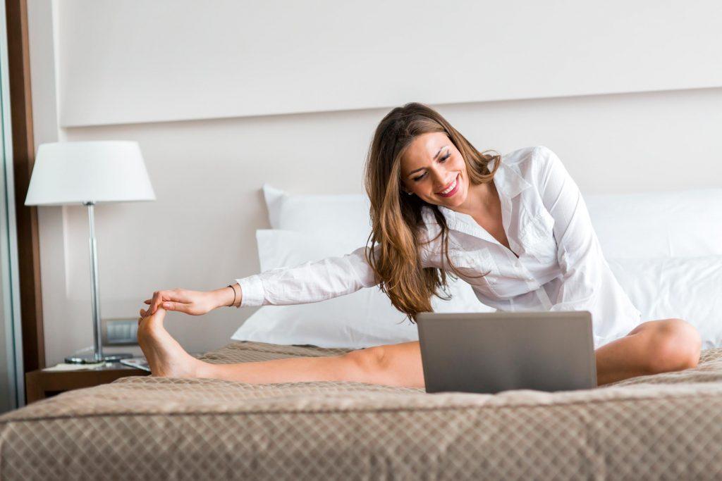 Yoga au quotidien, étirez-vous devant la télévision