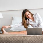 9 postures de yoga faciles à exécuter durant la journée