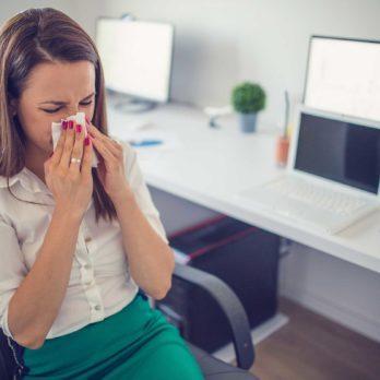 Prendre une journée de maladie au travail: les 7 règles à respecter