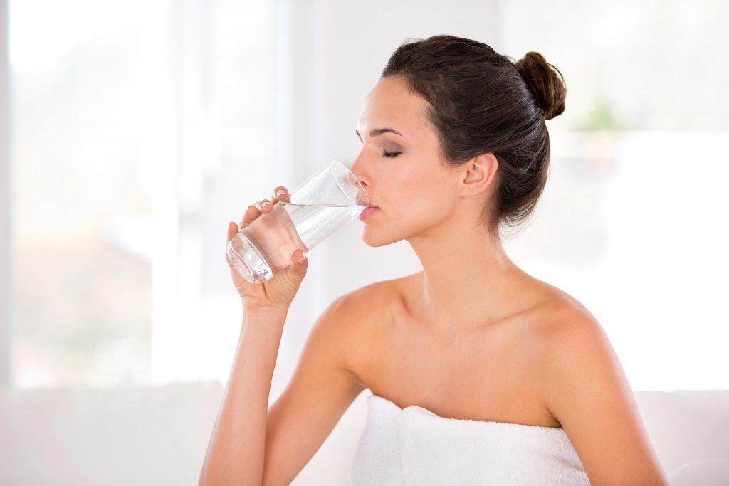 L'hydratation est primordial pour avoir un beau teint.