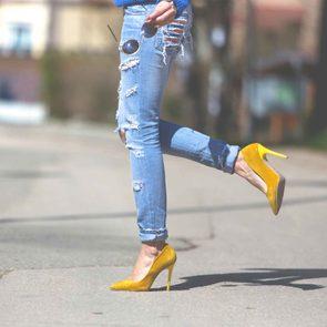 Il existe une façon de retrousser vos jeans selon votre type de jeans.