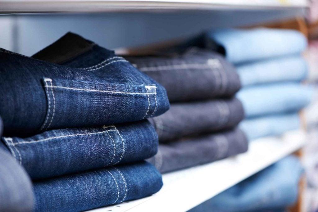 Si vous êtes entre deux tailles il se peut que vous ayez de la difficulté à trouver la bonne paire de jeans.