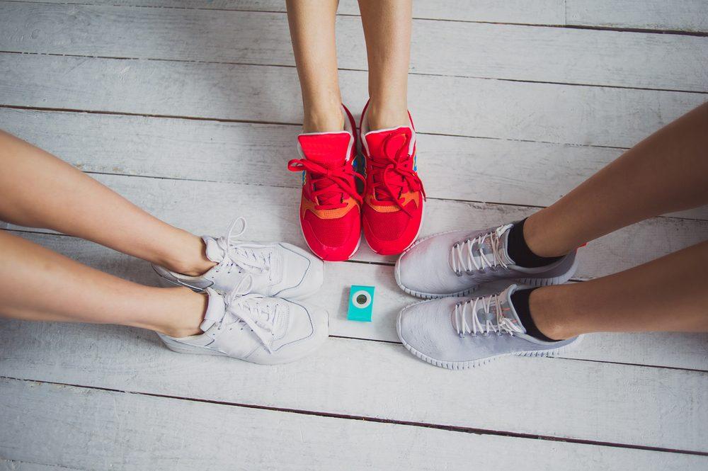 Porter vos souliers de sport tous les jours n'est pas recommandé.