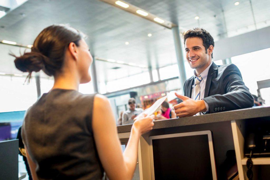 Lorsque qu'un transporteur aérien perd vos bagages, suivez la recherche de votre bagage.