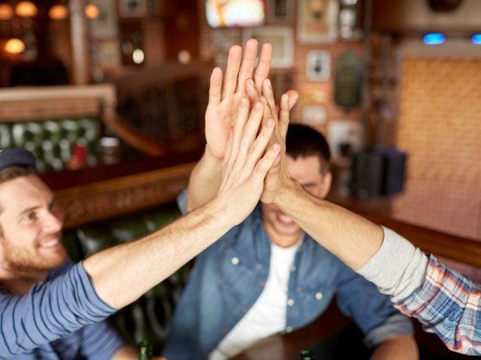 Une amitié toxique vous donnera l'impression que l'autre sabote votre relation.