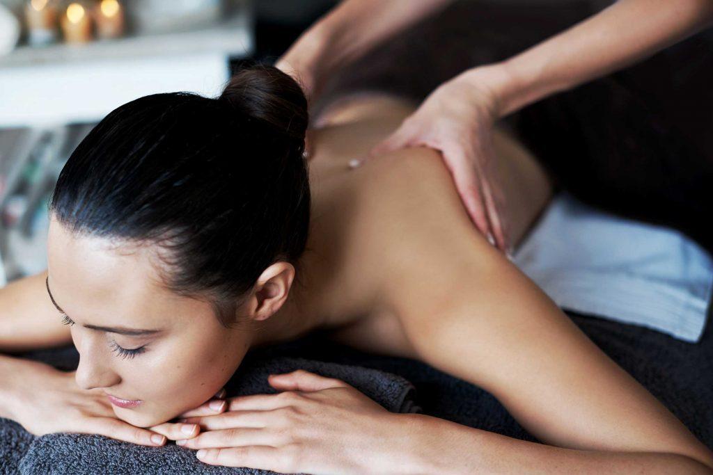 Les massages pour prévenir les vergetures