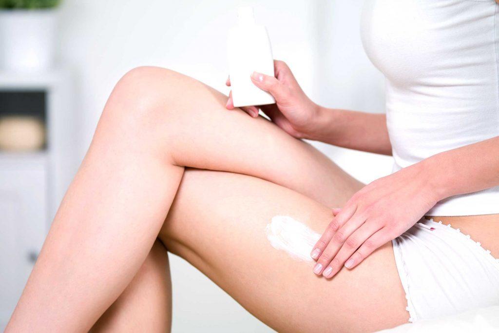 Les dermatologues recommandent les rétinoïdes topiques contre les vergetures