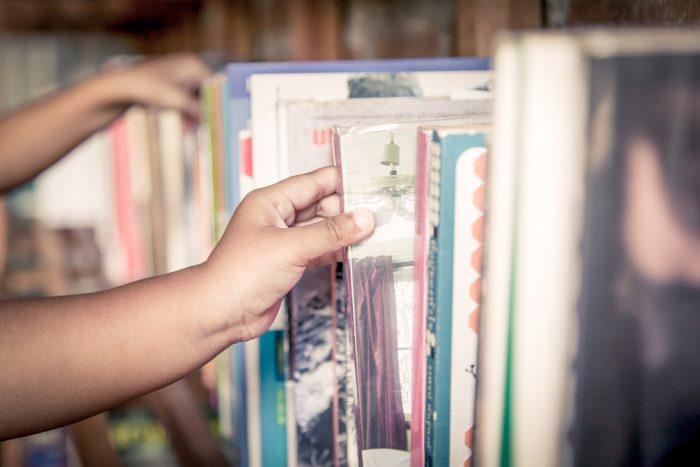 Inscrivez vos enfants à la bibliothèque, pour épargner pour leurs études