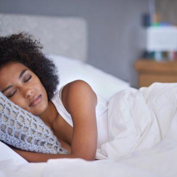 13 astuces à adopter pour mieux dormir la nuit