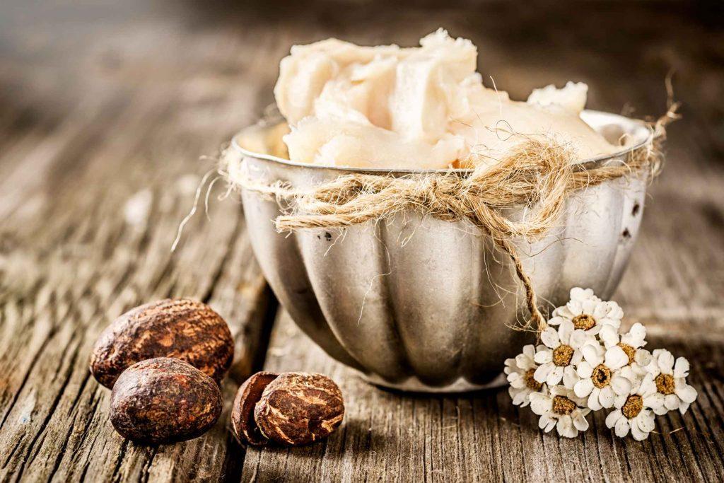 Rangement de la maison: placer les beurres de noix naturels à l'envers