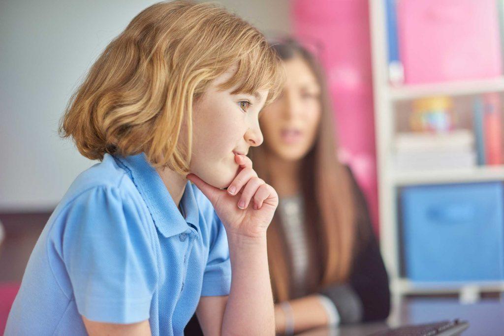 L'impulsivité peut vraiment ébranler l'intelligence émotionnelle, aussi faut-il apprendre aux enfants à s'interrompre et à s'interroger sur leurs émotions avant qu'ils n'agissent.