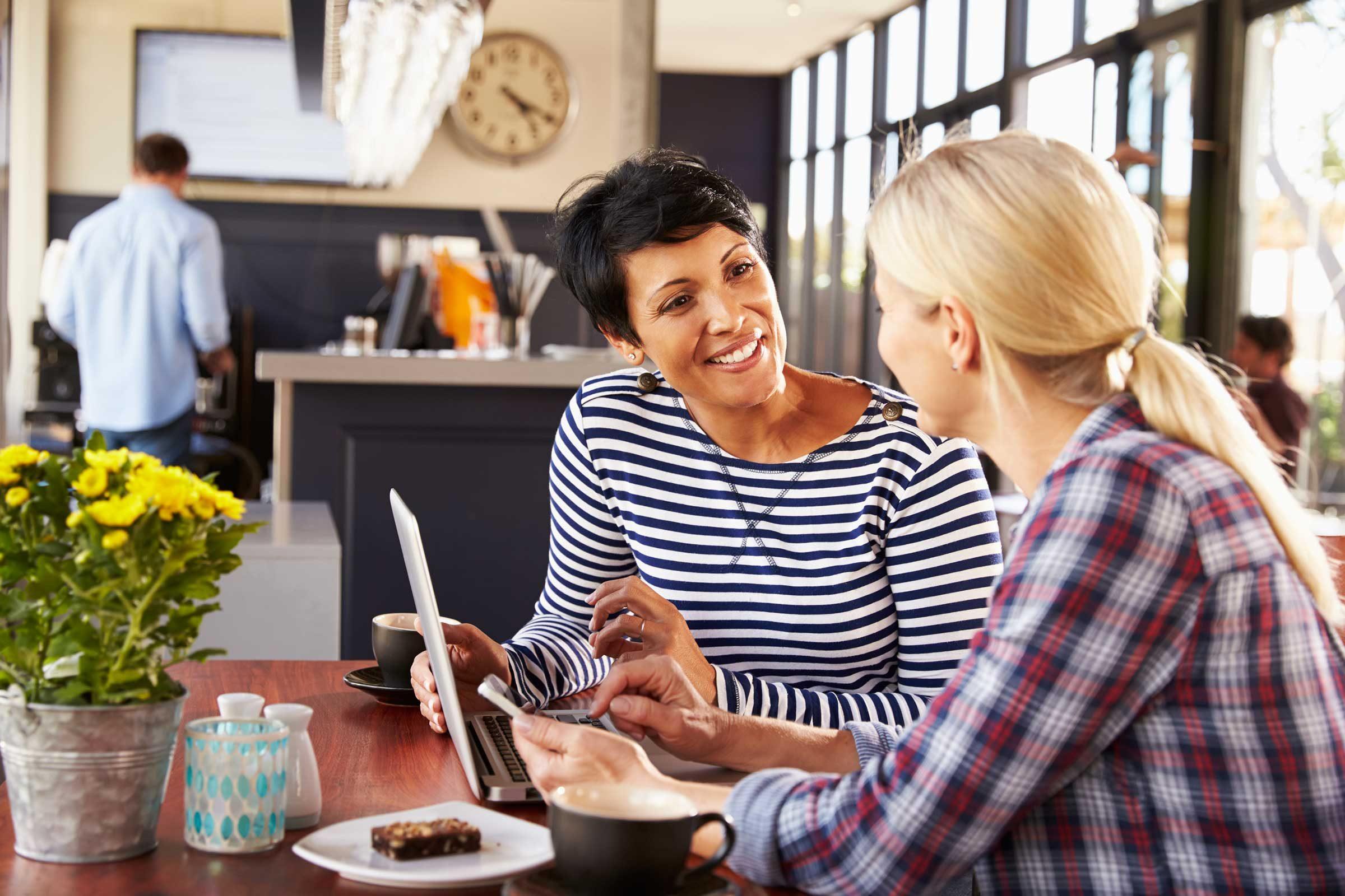 Trouver le mot juste pour souligner les qualités ou les réalisations de quelqu'un est une très bonne habitude à prendre.