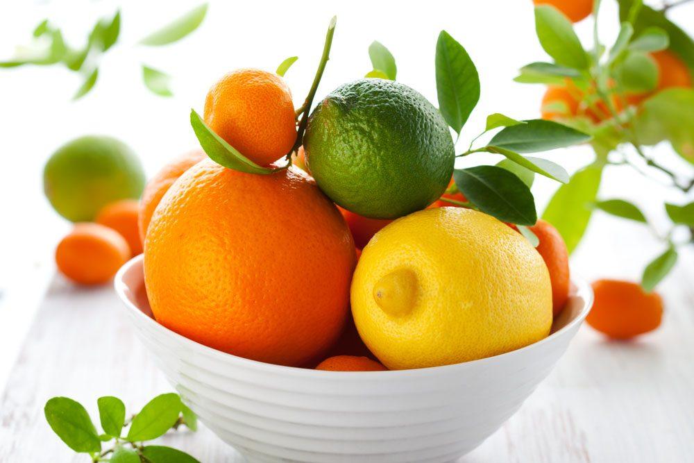 Placez un bol de fruits sur le comptoir