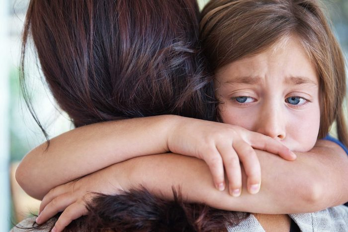Encouragez les enfants à exprimer leurs émotions au travers de questionnement.