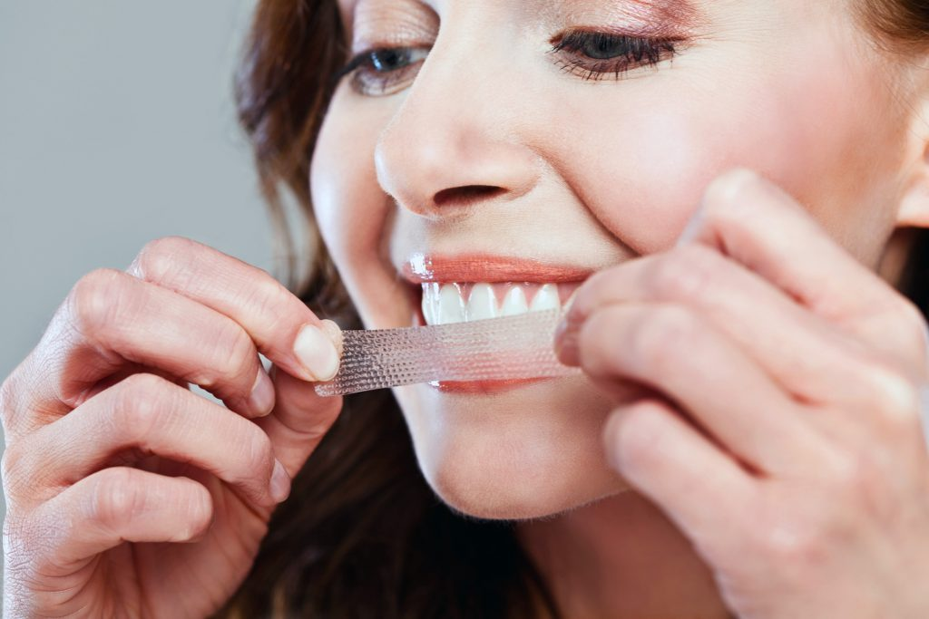 Le blanchiment des dents exige de l'engagement et du suivi.