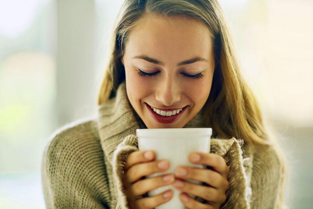 Certains aliments et boissons peuvent provoquer la décoloration des dents.