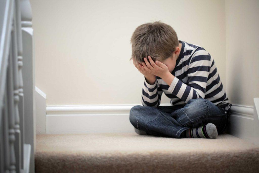Donnez à vos enfants des limites à ne pas dépasser qui les aideront à faire le tri et à mieux vivre leurs émotions.
