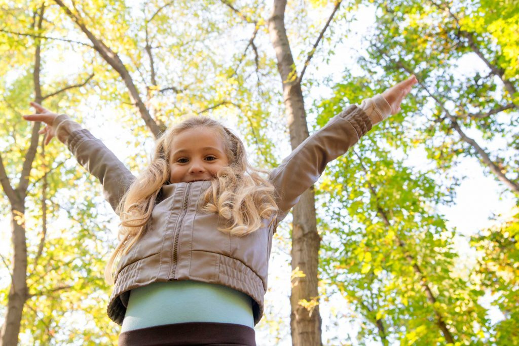 Élever un enfant émotionnellement intelligent est un travail de longue haleine, aussi est-il important de le féliciter si vous constatez des progrès.