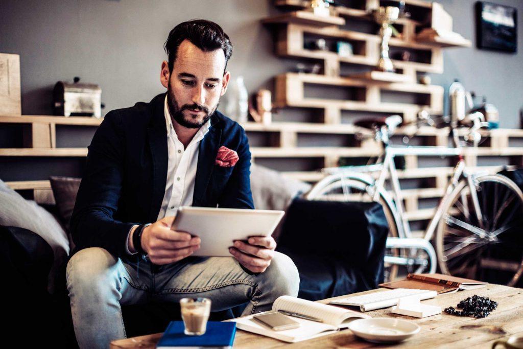 Les médias sociaux peuvent vous aider à bâtir votre réseau professionnel.