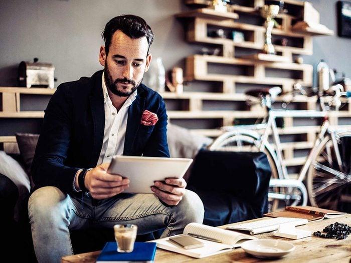 Changement de carrière : les médias sociaux peuvent vous aider à bâtir votre réseau professionnel.