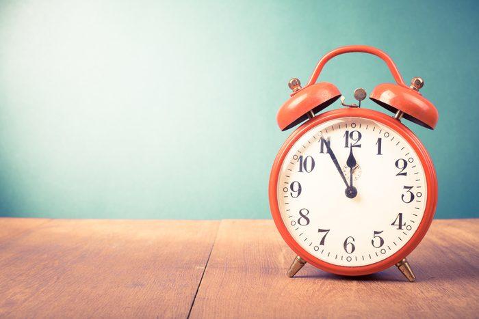 Débarrassez-vous de votre réveil afin de mieux dormir.