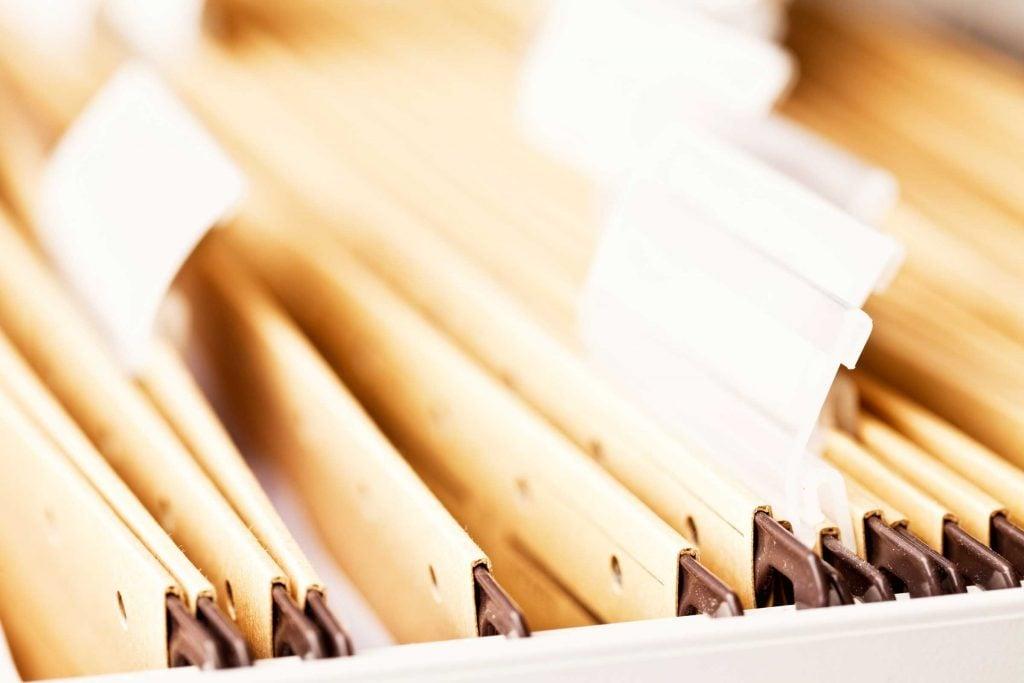 Ça ne prend que cinq minutes pour épurer un dossier: éliminer les doublons et conserver l'essentiel.