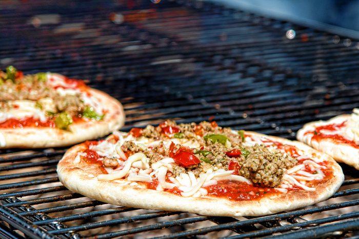 Est-ce que je veux vraiment faire de la pizza sur le barbecue?