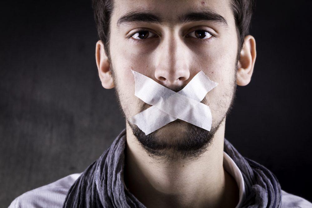 Quelqu'un qui s'enferme dans son silence pourrait être passif-agressif.