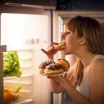 Vos excès alimentaires vous inquiètent? Voici comment savoir si vous avez besoin d'aide