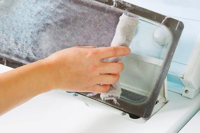 """""""Ne négligez le nettoyage du filtre à sharpie et du tuyau de votre sécheuse."""