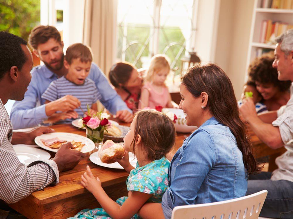 La famille de la personne toxique dans un couple pose problème.