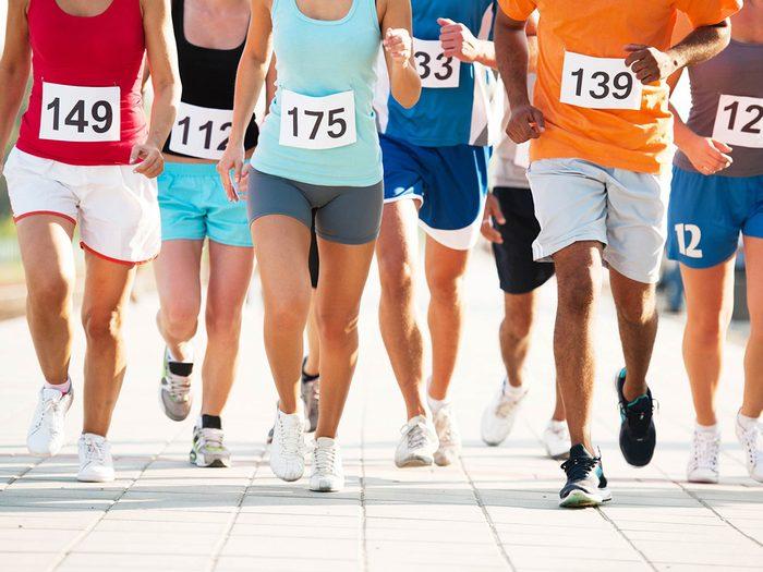 Passer de la marche à la course en planifiant un court marathon.