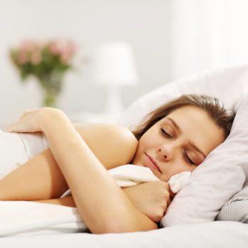 10 raisons santé de dormir nu la nuit