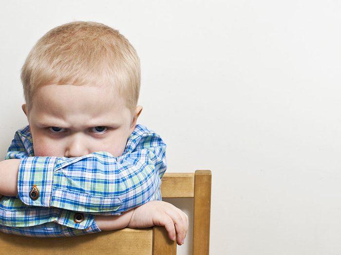 Vous établissez des limites aux comportements, pas aux émotions de votre enfant.