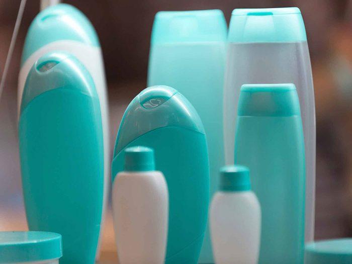Erreur: votre shampooing contient des produits chimiques irritants.