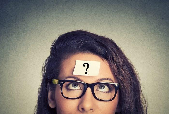 Une bonne façon de devenir plus intelligent: trouvez des réponses à vos questions.